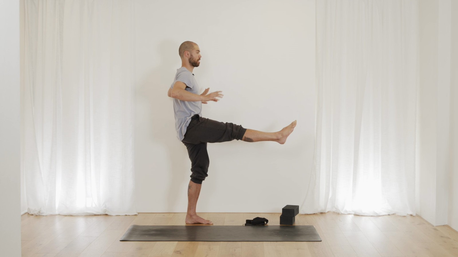 Come Stretch With Me with Bevan Pfeiffer