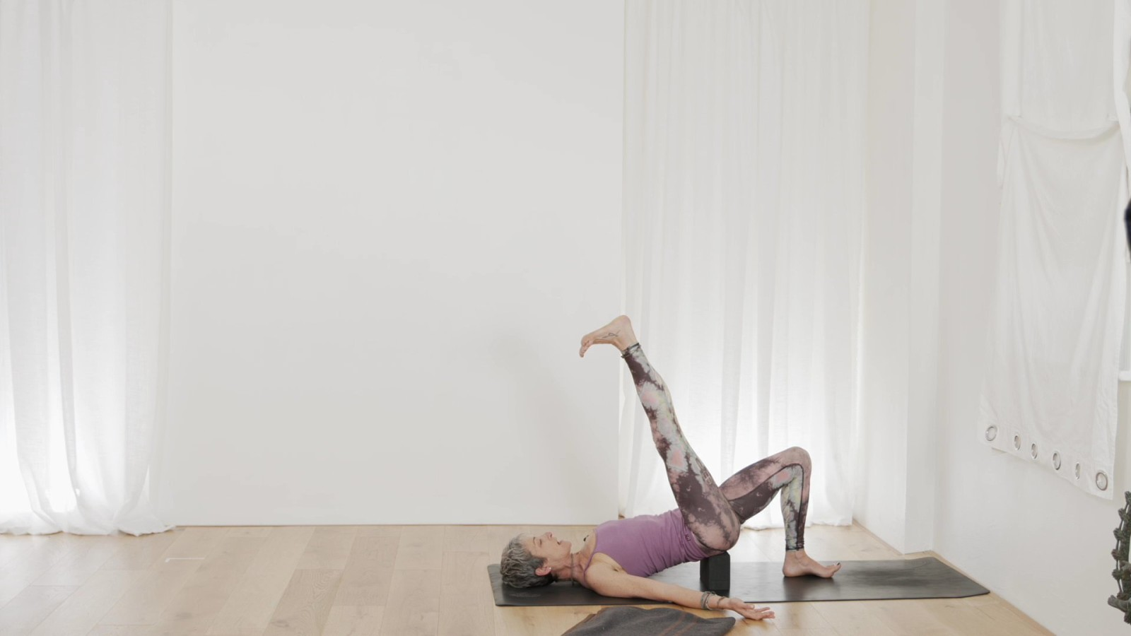 Forrest Yoga for Beginners 5 of 6 with Beth Borowsky