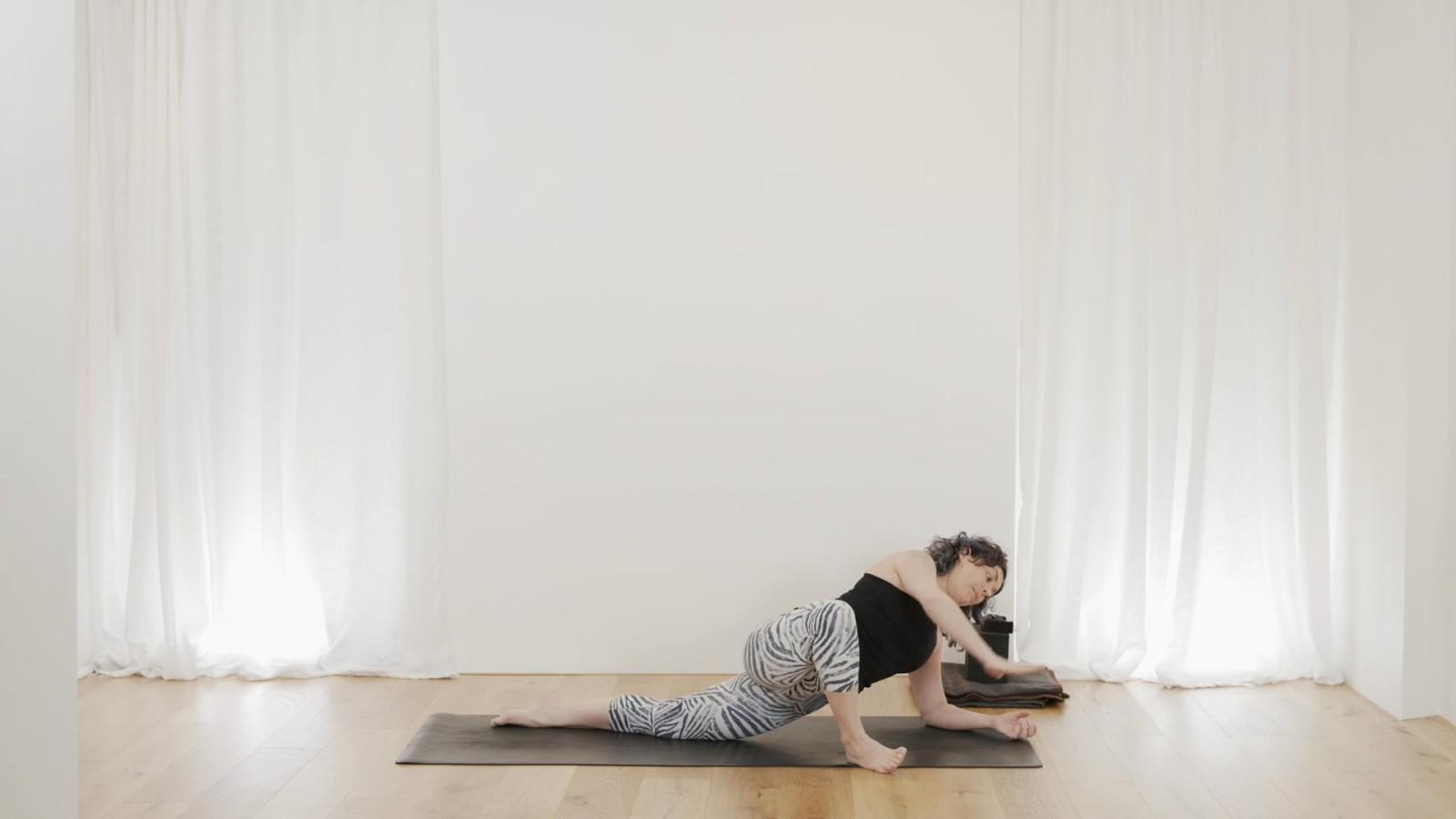 Slow Rejuvenating Flow with Vicki Smart