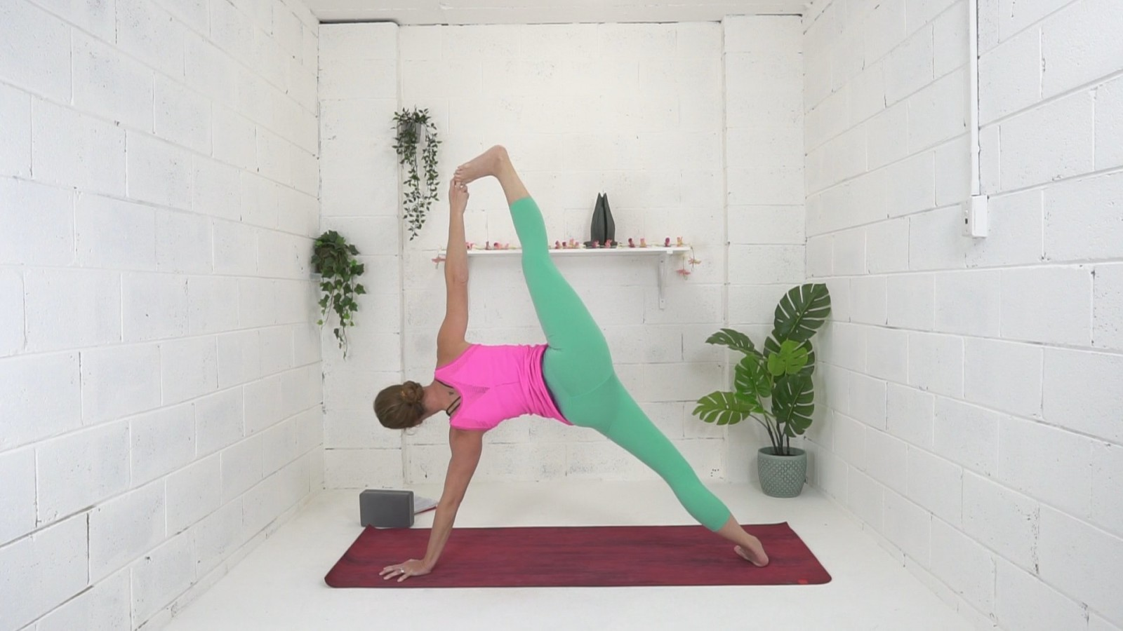 Flow to Handstand with Danielle Coulibaly