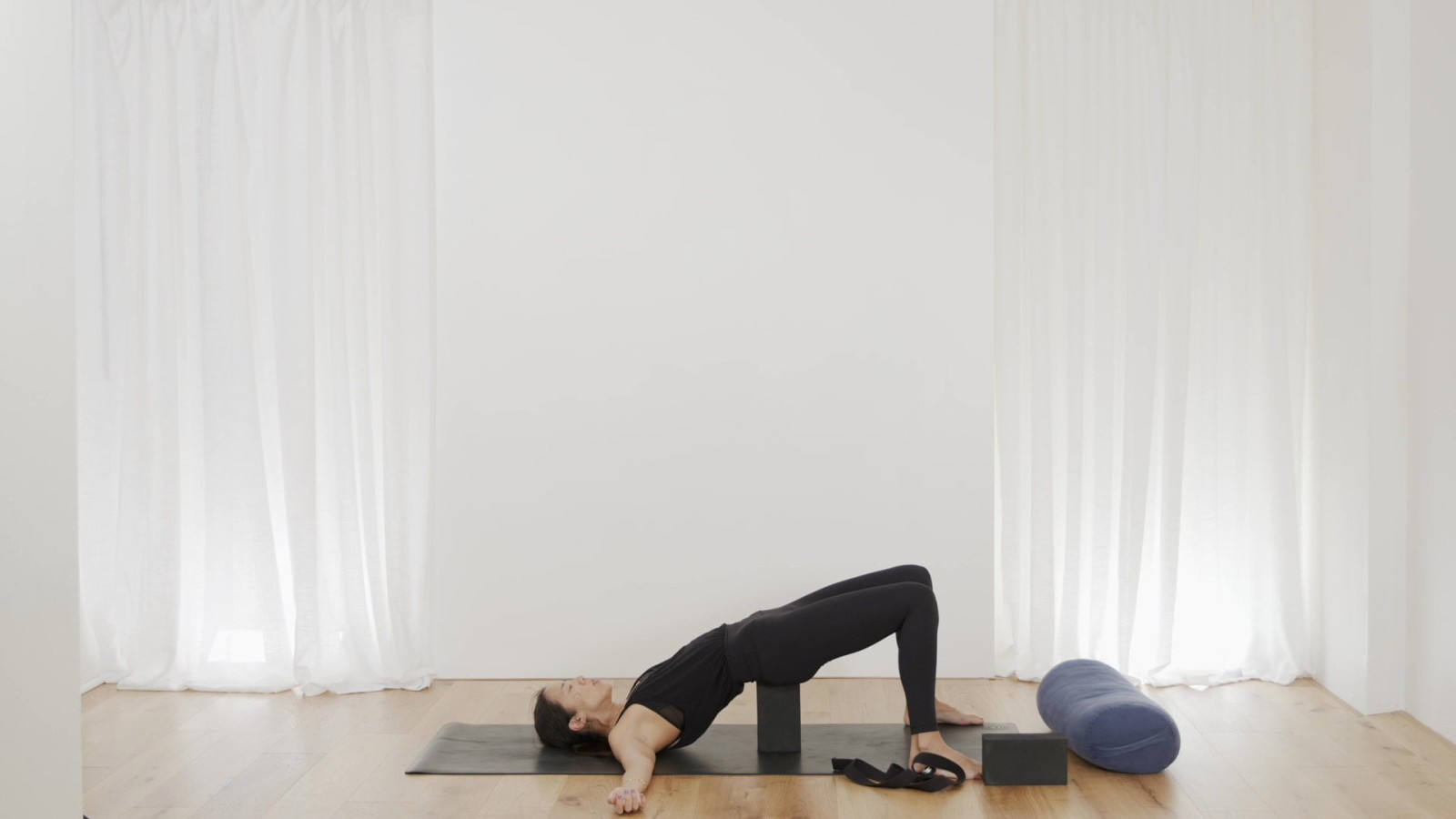 Freedom Flow: Shoulders Level 3 with Leanne Raab