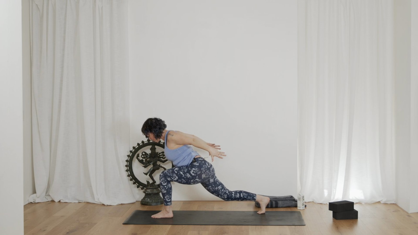 Energy Boosting Flow with Vicki Smart