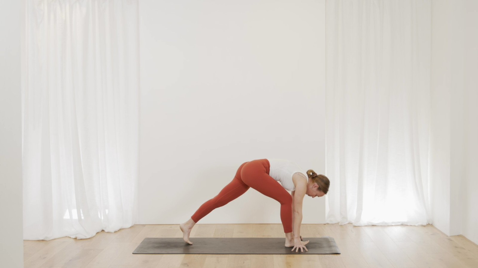 Morning Energiser For The Hips with Janet Yockers