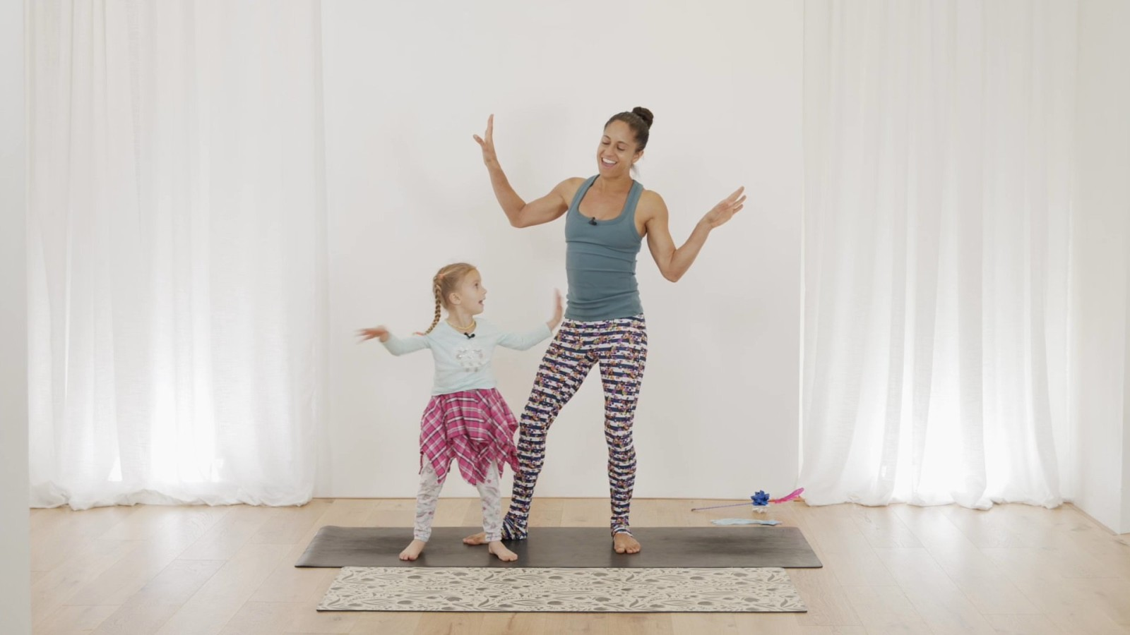 Sofie Yoga: Lilli the Lion with Claudine Lafond