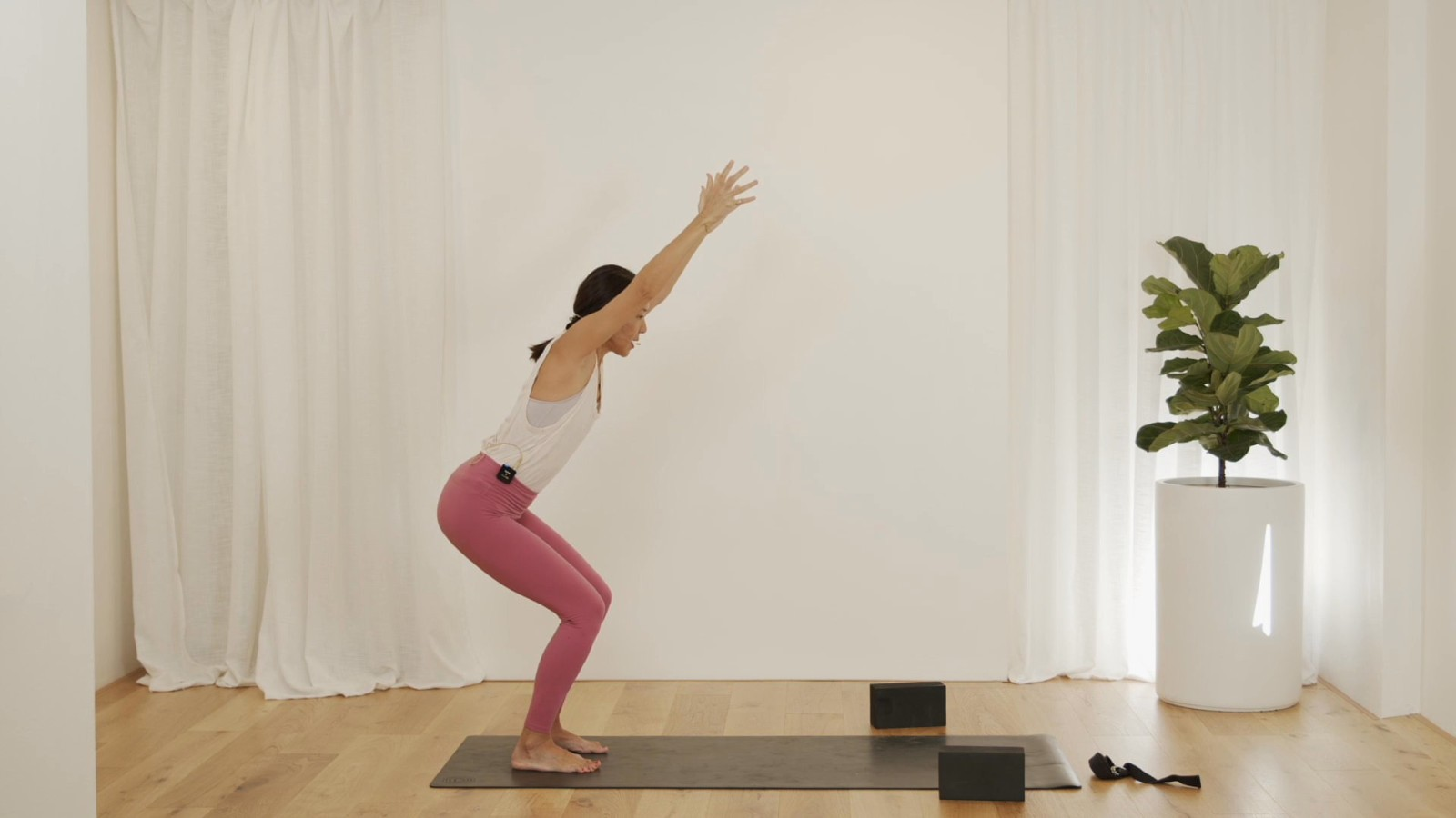 Freedom Flow: Shoulders Level 1 with Leanne Raab