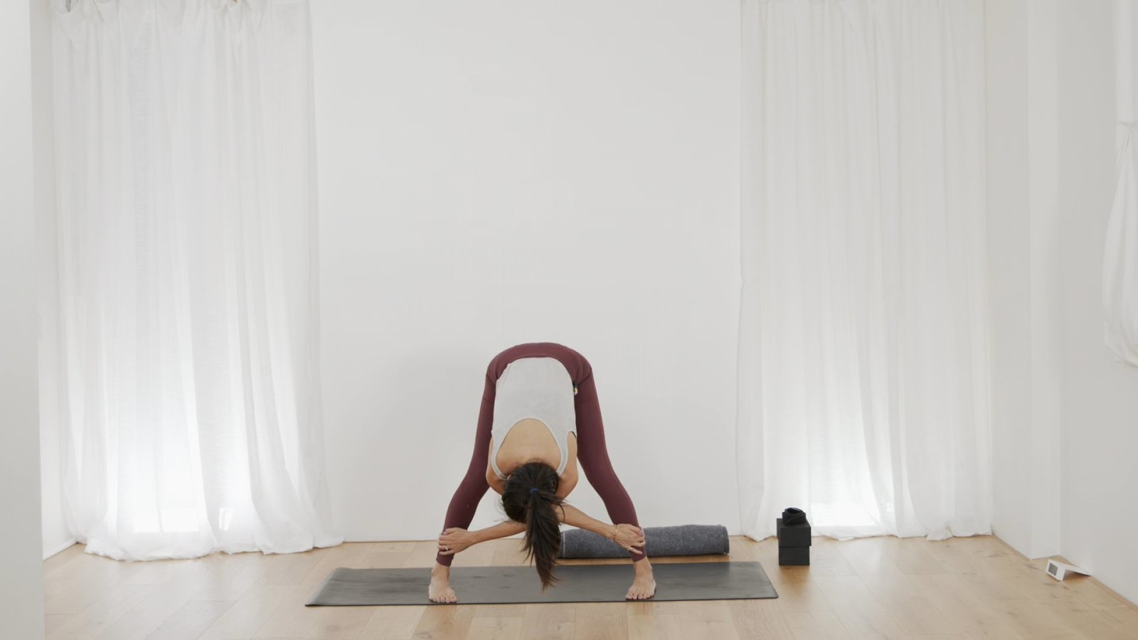Freedom Flow: Hips Part 3 with Leanne Raab