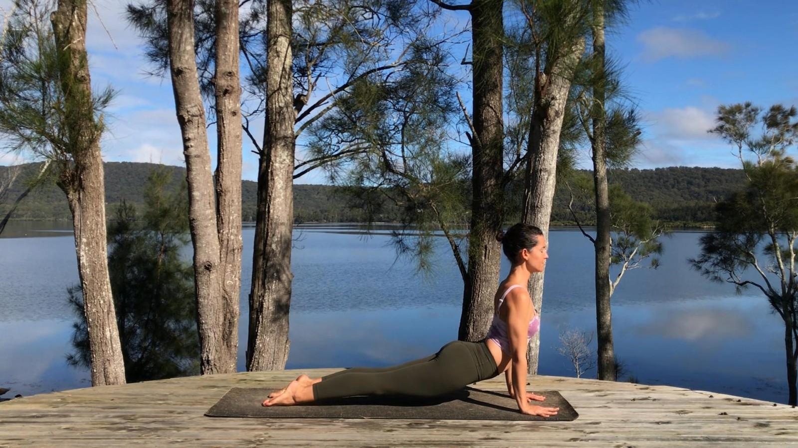 Uplifting flow with Maryanne Edwards