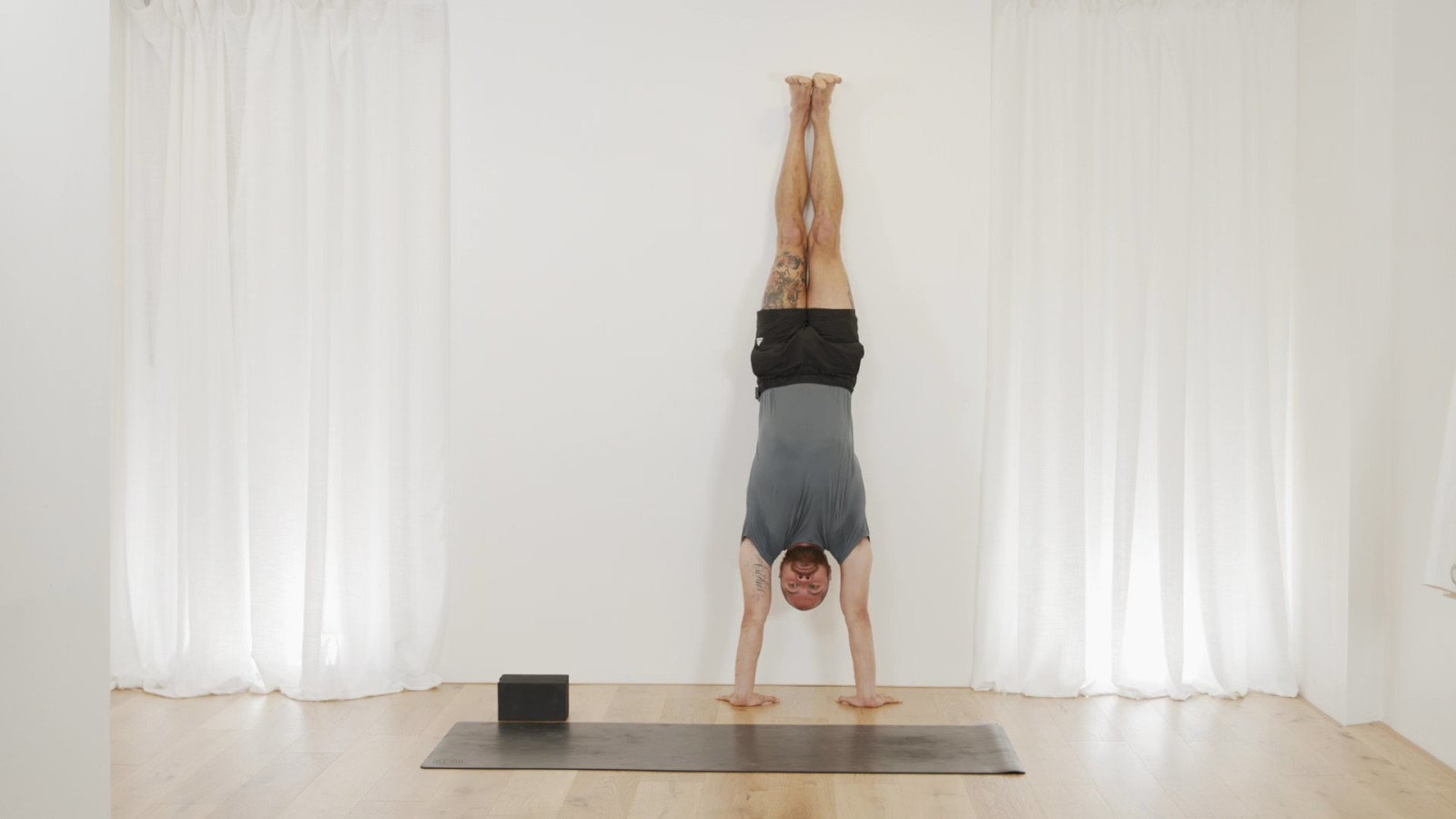 Handstand Conditioning with Bevan Pfeiffer