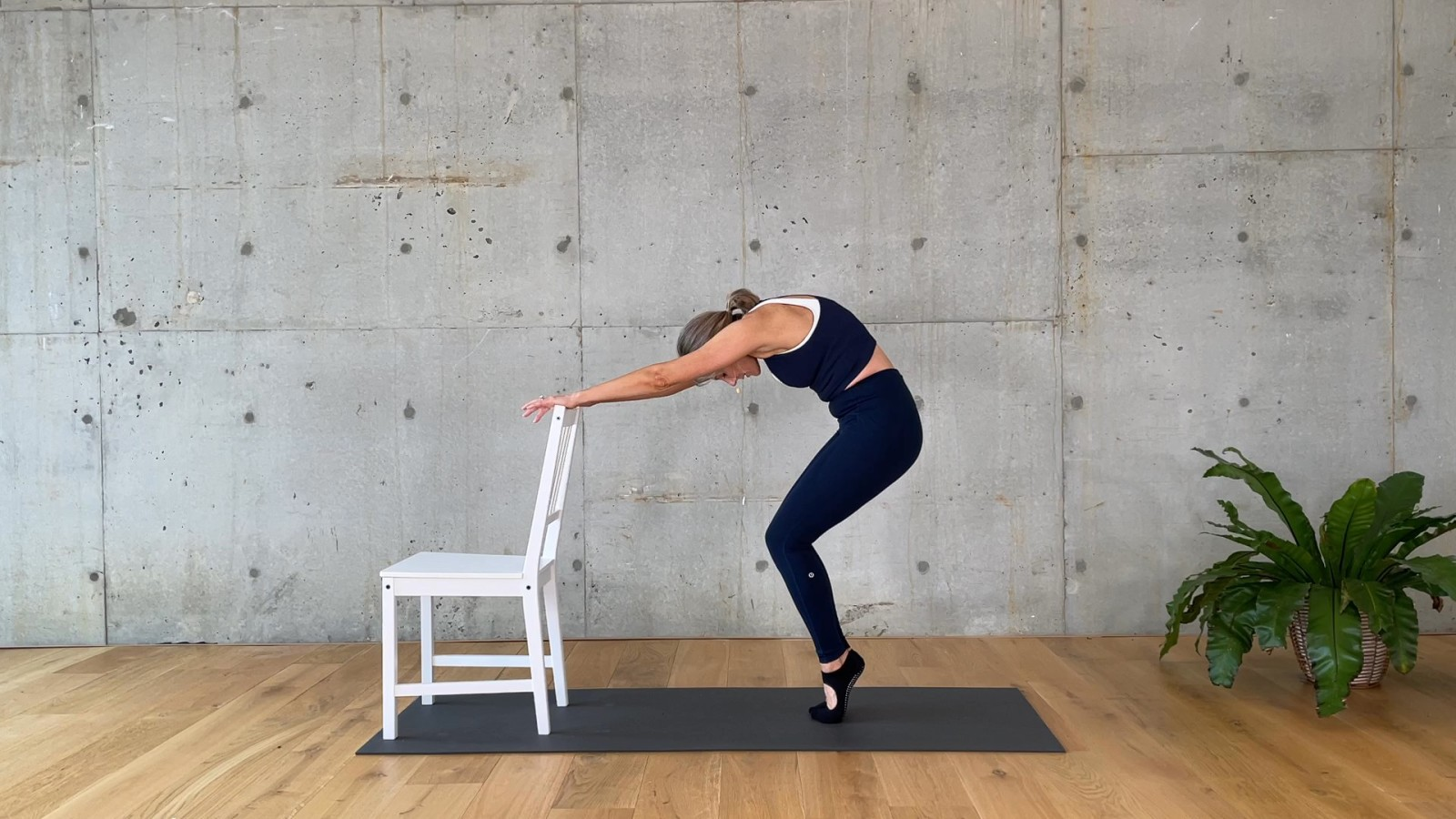 Beginners Barre Core 5 of 5 with Mardi Gannon