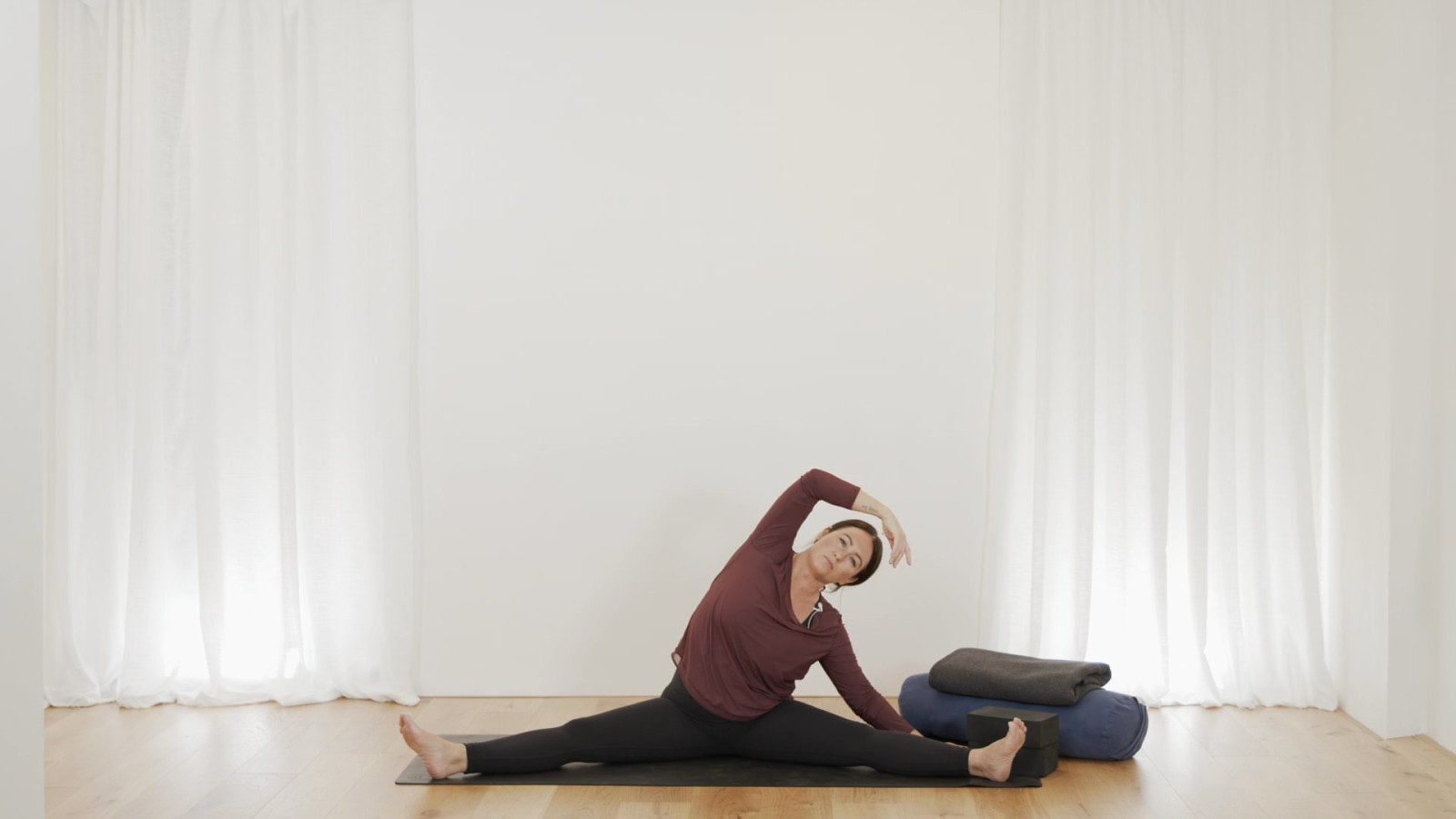 Yin Combination Variations with Mel McLaughlin