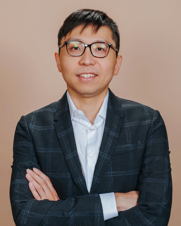 Johnny Shi Real Estate Agent