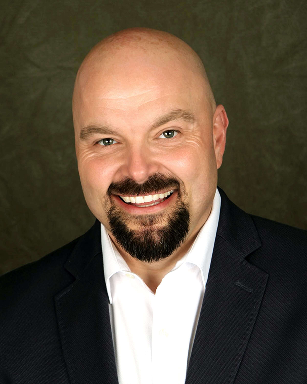 Robert Dzienis Real Estate Agent
