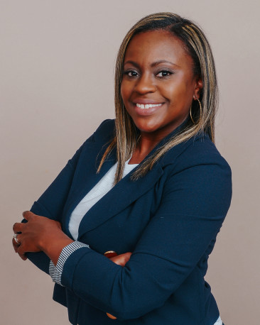 Yontia Strothers Real Estate Agent