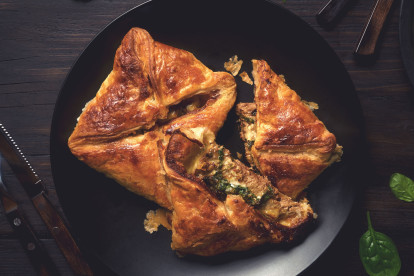 Quorn Vegetarian Steak Parcels with Blue Cheese Sauce