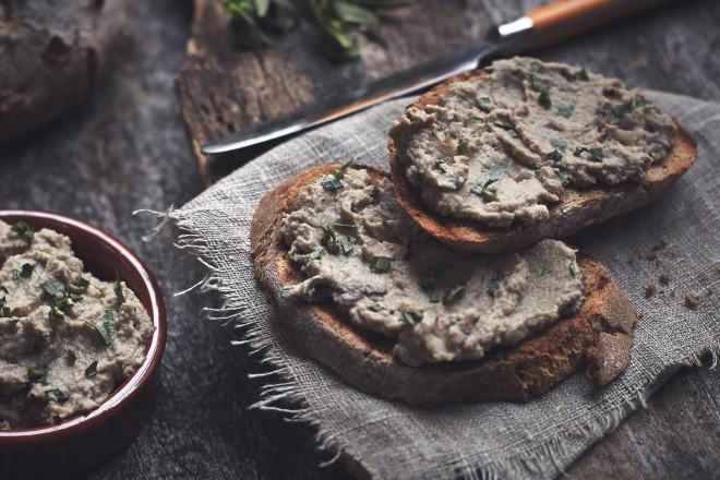 Quorn Meat Free Pieces, Mushroom & Tarragon Pate