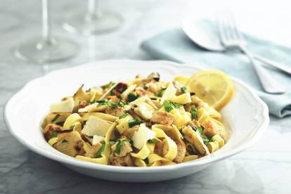 quorn meatless pieces with tagliatelle pasta and artichokes vegetarian recipe