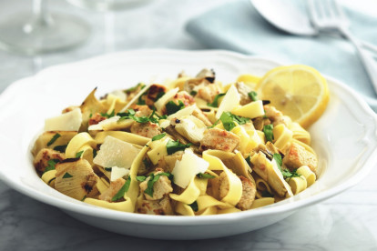Quorn Pieces with Tagliatelle and Artichoke