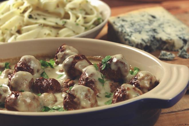 Quorn Meat Free Swedish Style Meatballs in Mushroom Sauce