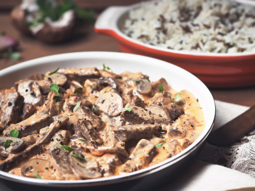 Quorn Meat Free Steak Strips & Mushroom Stroganoff