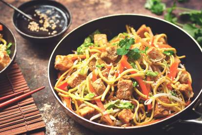 chow mein with quorn pieces vegetarian recipe