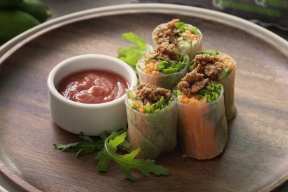 Vietnamese Rice Roll with Quorn Meat Free Mince and Bolognese Sauce