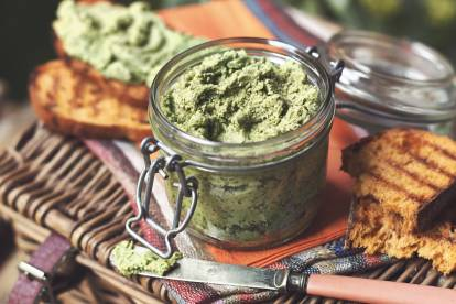 quorn pieces & spinach pate vegetarian recipe
