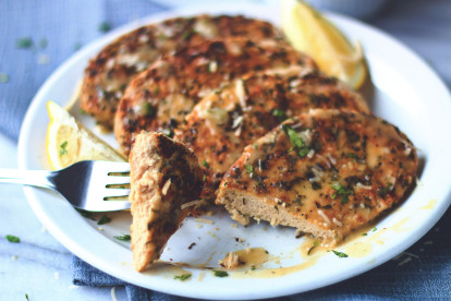 A vegan chicken piccata made with Quorn Vegan Meatless Fillets in a lemon sauce.