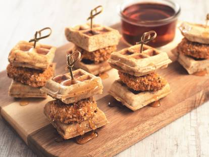 Mini Waffle & Crunchy Tex Mex Nuggets Sliders