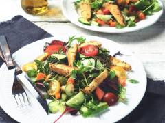 Green Salad with Quorn Meatless Strips