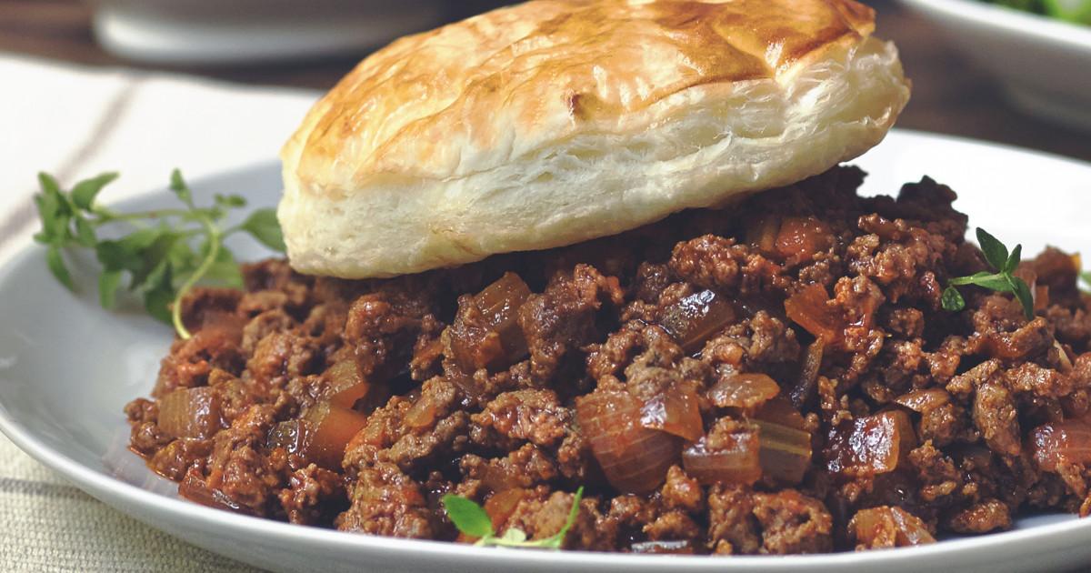 Tasty Vegetarian & Meat Free Mince, Onion & Ale Pie Recipe ...