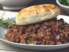 Quorn Mince, Onion & Ale Pie