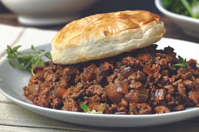 Quorn Meat Free Mince, Onion & Ale Pie