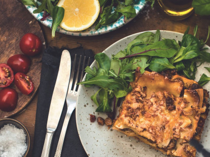 Easy Vegetarian Lasagne with Quorn Mince