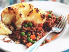 quorn cottage pie vegetarian family recipe