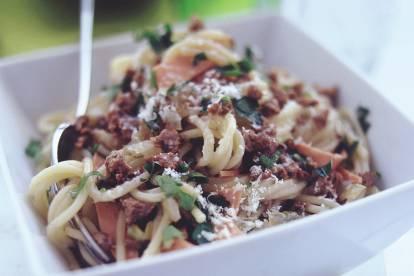 quorn mince spaghetti carbonara vegetarian pasta recipe
