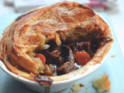 quorn vegetarian steak strips, ale & mushroom pie recipe