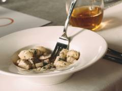quorn pieces garlic & mushroom gnocchi vegetarian recipe