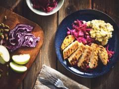 Recept på Quorn Pepparstek med Bräserad Rödkål och Potatismos