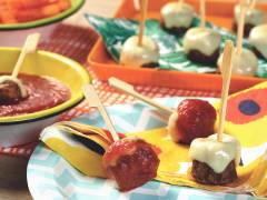 Quorn Cheesy Meatballs with Tomato Dip