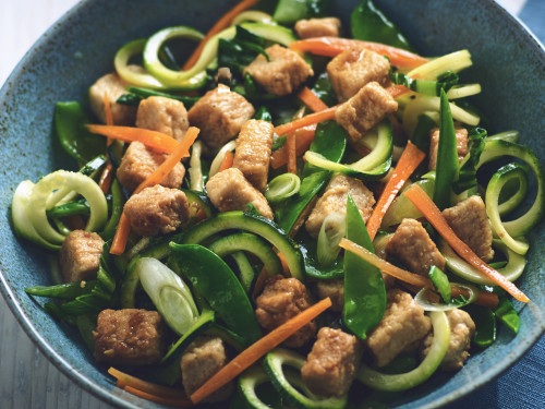 Chinese Stir-Fry with Zucchini Noodles and Quorn Meatless Chicken