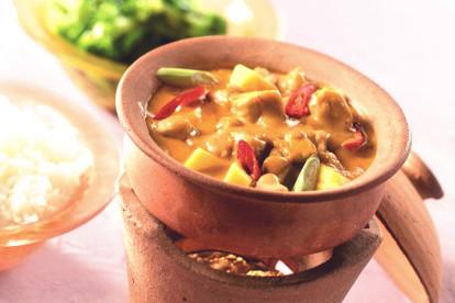 Quorn™ Geschnetzeltes an roter Curry-Sauce mit Mango