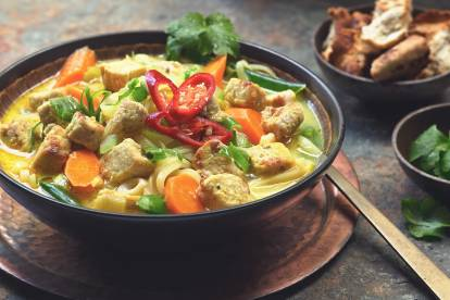 Simple Thai Noodle Soup with Quorn Meatless Pieces