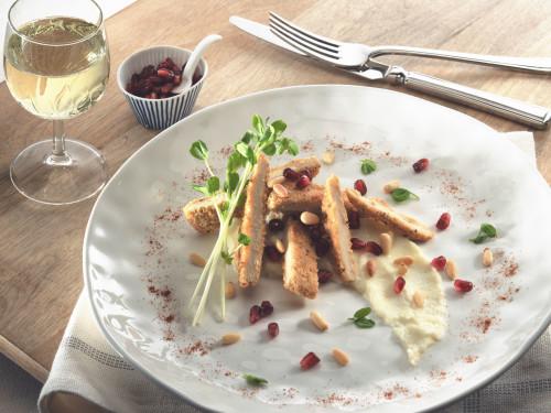 Quorn Vegetarische Chicken-Style-Burger auf Blumenkohlpüree mit Granatapfel