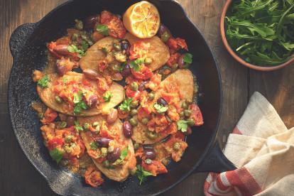 Escalopes de Quorn nature aux olives taggiasche, tomates séchées etcâpres