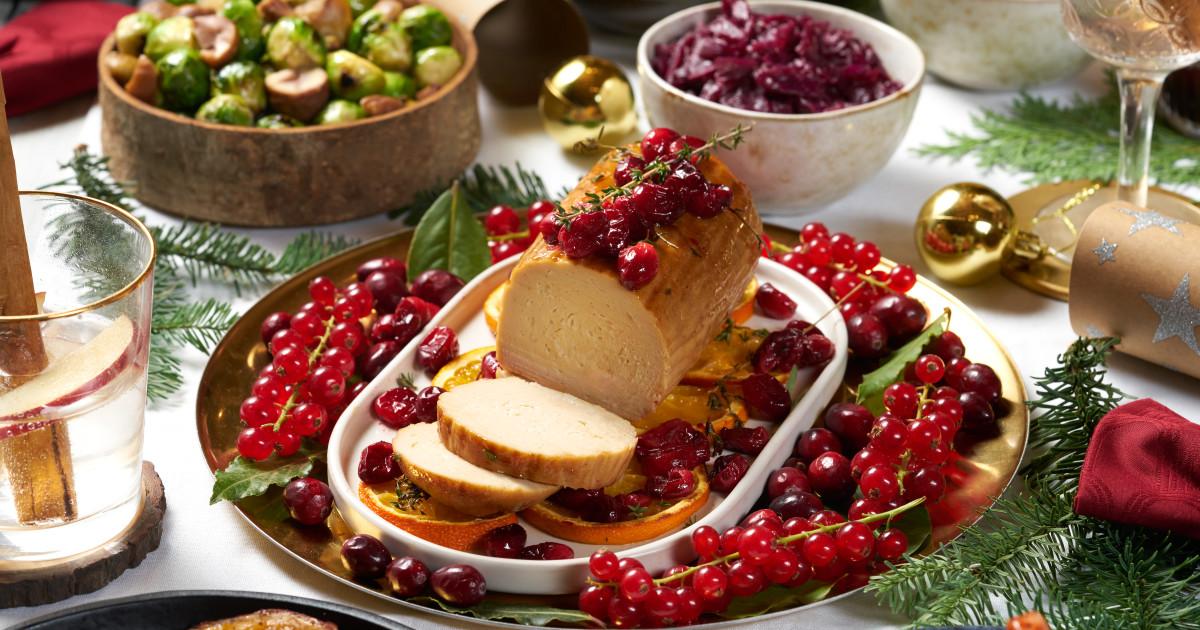 Christmas Roast.Cranberry And Orange Christmas Quorn Roast