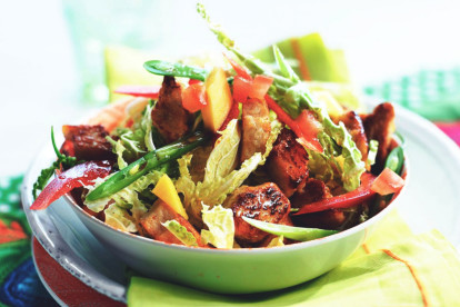 Thai Salad with Quorn Meat Free Pieces