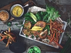 Veganistische Fish & Chips met drie verschillende sauzen