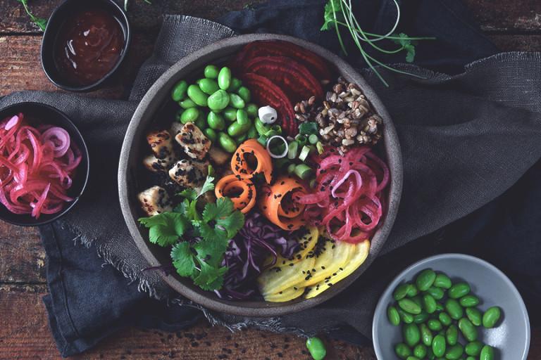 Höstig vegobowl med goda grönsaker och Quorn