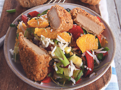 Quorn southern fried stykker med citrussalat