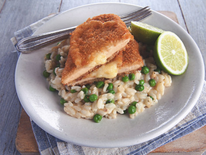 Quorn Chicken & Sharp Cheese Cutlet with Green Pea Risotto